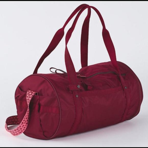 lululemon athletica Bags   Lululemon Run Ways Duffel Bag Red   Poshmark bc58c04ce4